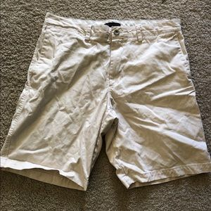 Banana Republic Cream Men's Short 35